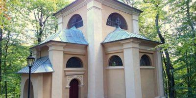 Miasto napółnocy Kaszub, któregonajwiększą atrakcją jest Kalwaria Wejherowska. Znajdziemy wniej 26 kapliczek zepoki baroku, rokoko orazklasycyzmu. Dodatkowo wmieście znajduje się wiele innych ciekawych zabytków wartych obejrzenia. Odległość: 64 km