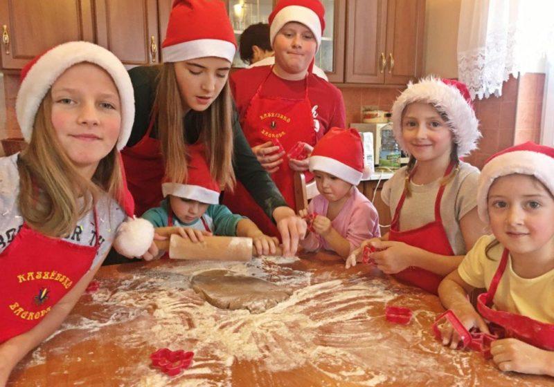 pieczenie ciasteczek 1024x768 800x560 Rodzinne warsztaty