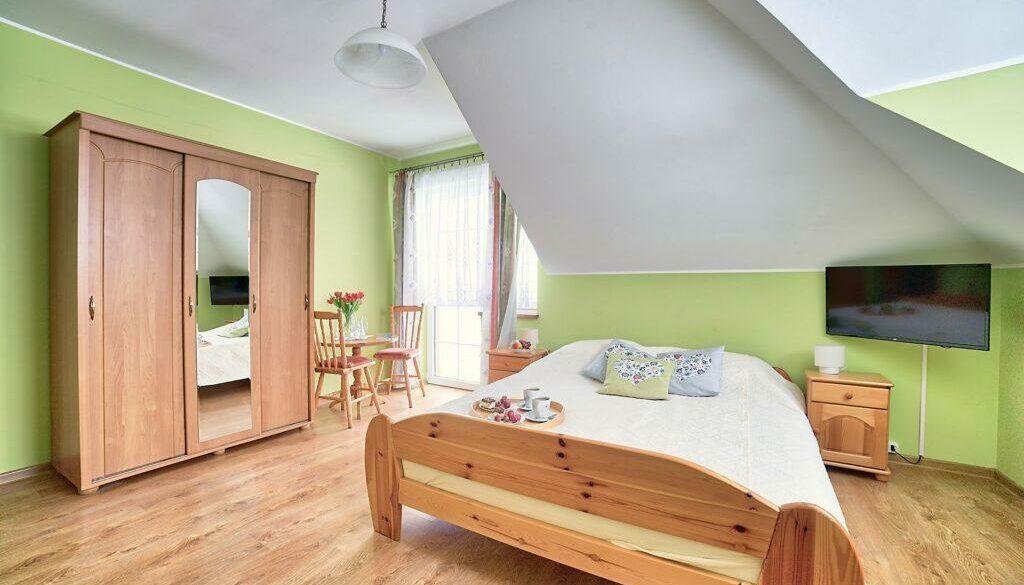 Pokój 3-osobowy z łazienką, TV i balkonem