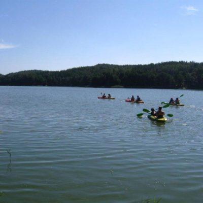 na szlaku kajakowym 1024x768 400x400 Szlak kajakowy jezioro Patulskie Ostrzyckie rzeka Radunia